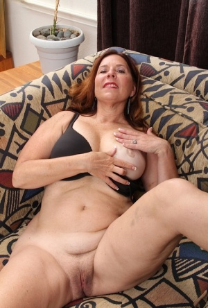 amature moms smooth pussy galleries